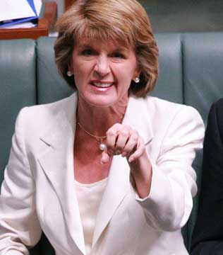 Julie-Bishop-explains-her-claw-6380053